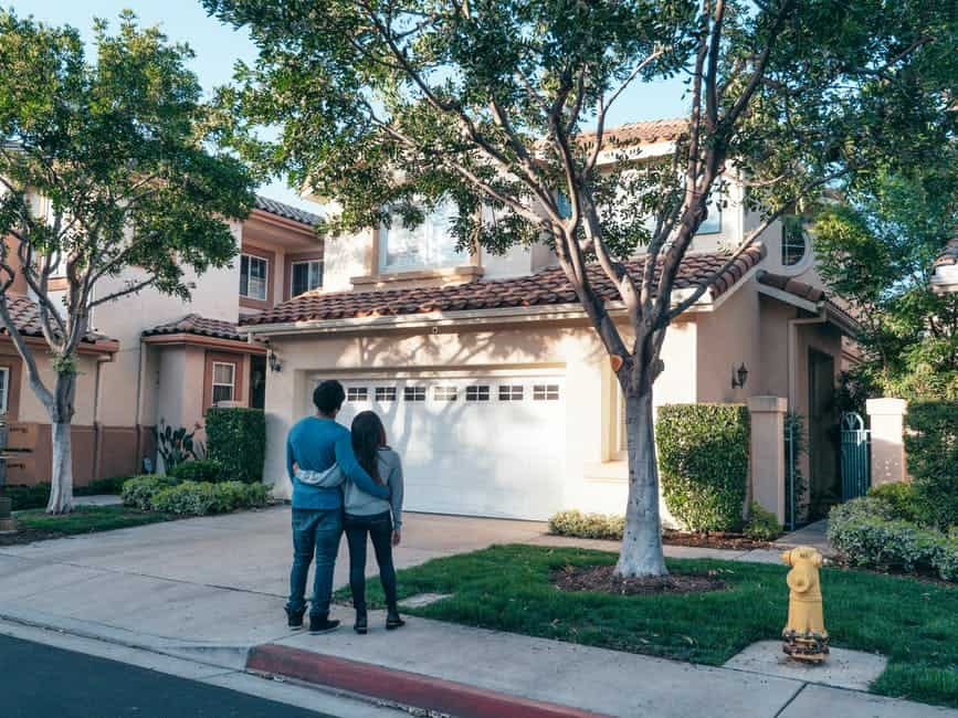 Private mortgage lenders vs banks: What's the difference?